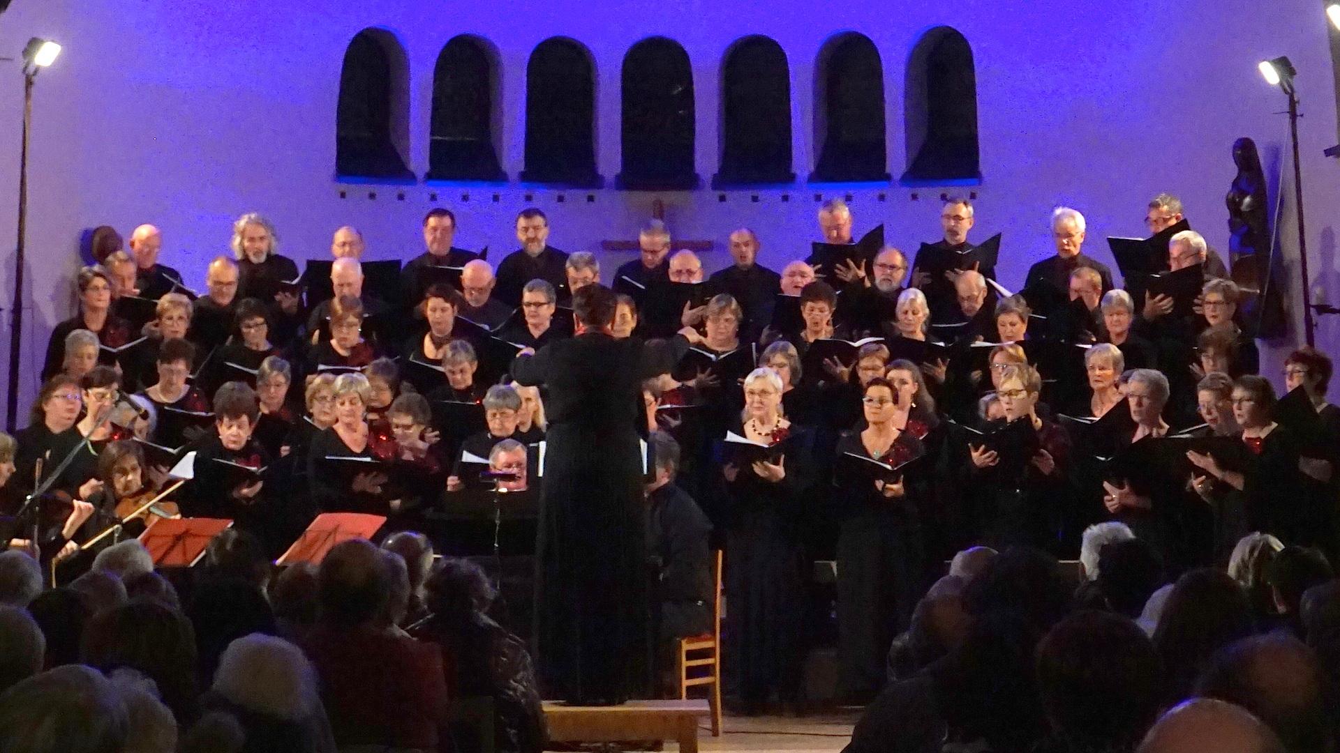 10 décembre 2017, concert de Noël avec la Schola Camille Jacquemin en l'église de Forrières